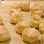 Профитроли с сырным кремом