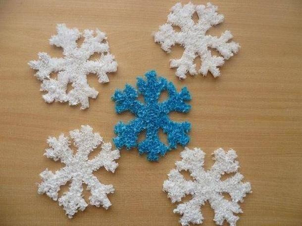 Пушистые снежинки торцевание