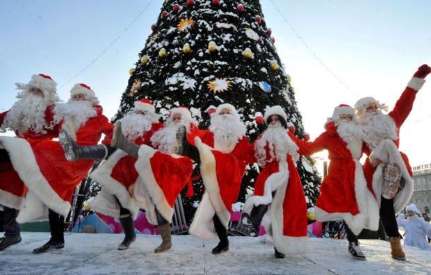 Дед морозы Новый год 2018