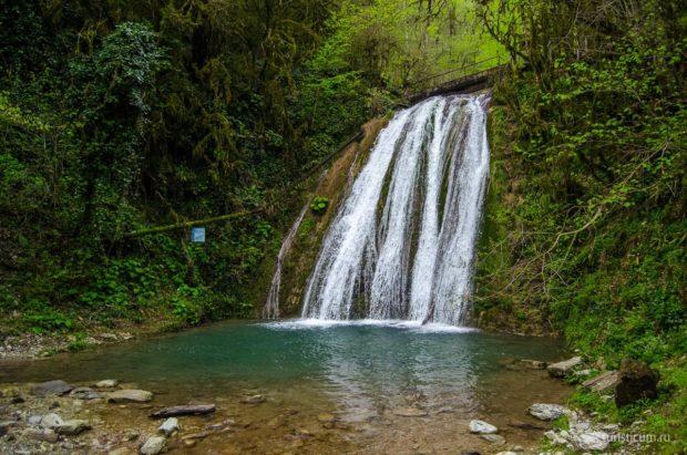 33 водопада Сочи, лоо