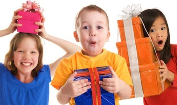 Подарки детям сотрудников на Новый год 2018