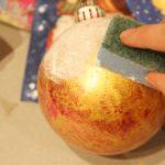 Декупаж елочной игрушки