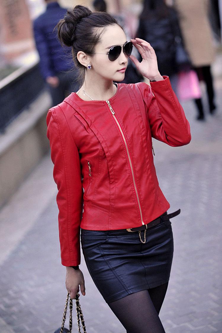 модные кожаные куртки весна 2019: красная короткая