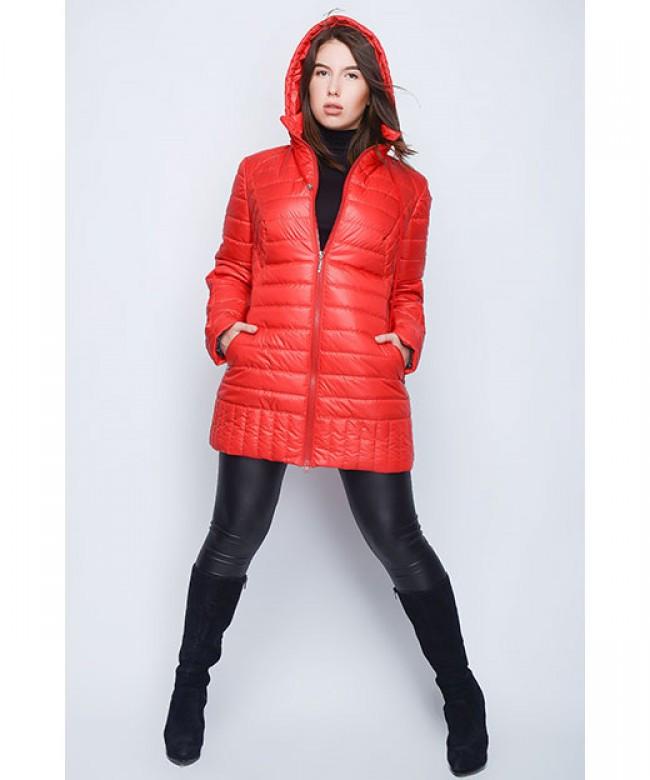 демисезонная куртка красная с капюшоном
