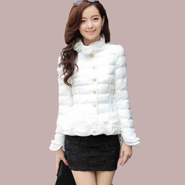 короткая куртка белая стеганая ажурный воротник