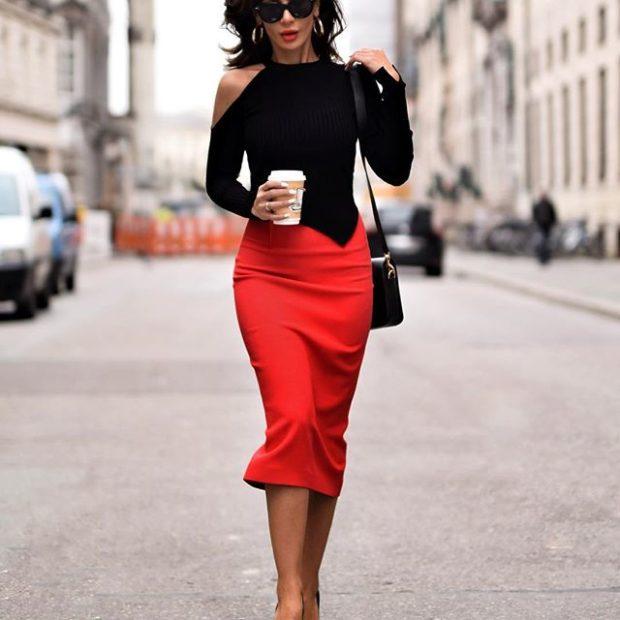 модные юбки весна лето 2019: красная карандаш по колено