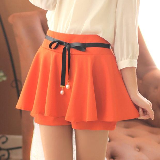 модные юбки 2019 года весна лето: шорты оранжевая с поясом