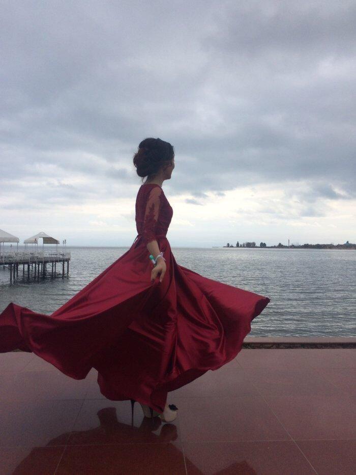 марсала цвет: платье макси юбка солнце