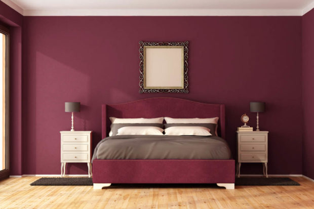 цвет марсала в интерьере: спальня стены и кровать