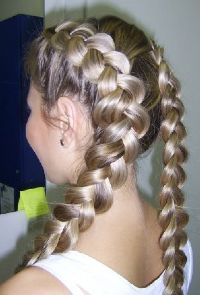 красивые и легкие прически: две косы простые