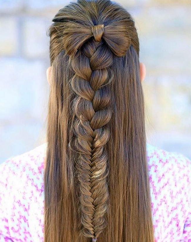 красивые и легкие прически: коса на макушке на распущенные волосы