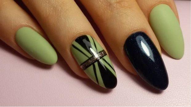 весенний маникюр 2019 года: форма ногтей овал зеленый с черным