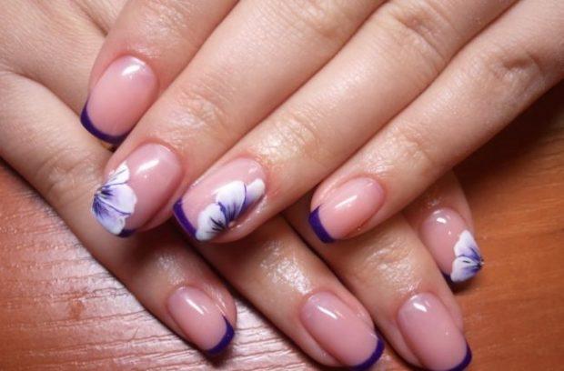 весенний маникюр 2019 фото: френч фиолетовый с цветочками