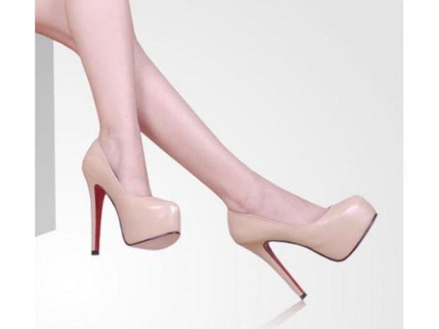 лабутены туфли: бежевые