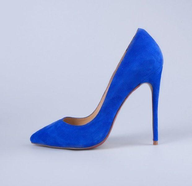 лабутены туфли: синие замшевые острый носок