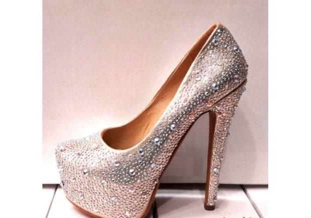 лабутены туфли: серебристые в блестки