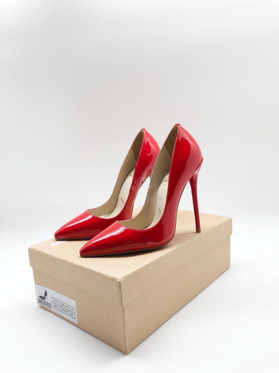 лабутены туфли: красные острый носок лаковые