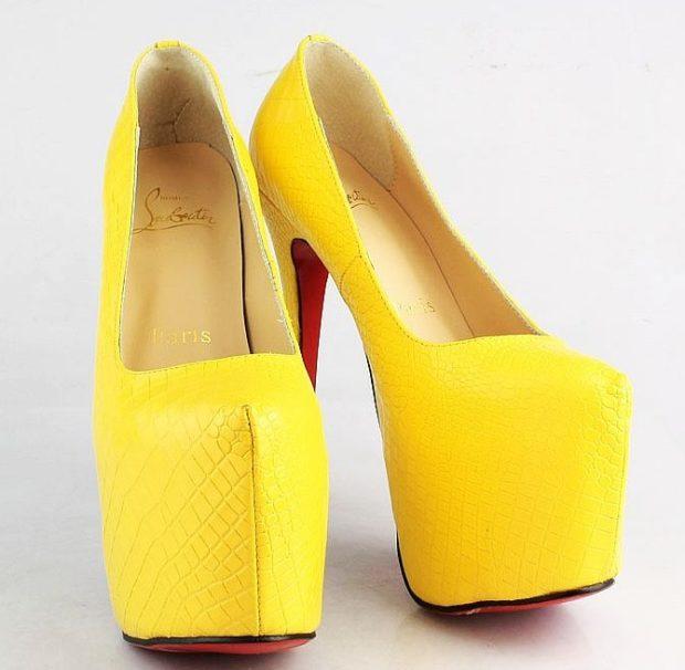 туфли лабутены фото: желтые кожа рептилии