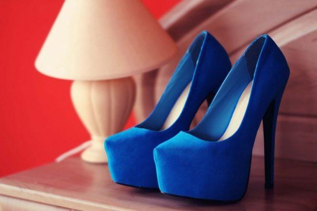 лабутены туфли фото: синие замшевые