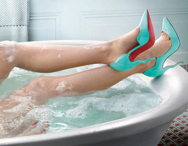 лабутены туфли фото: бирюзовые острый носок