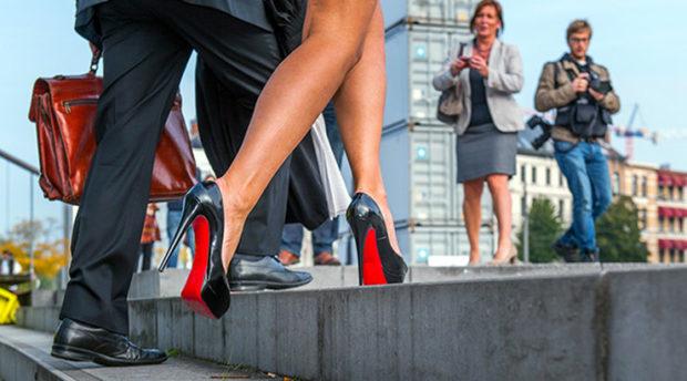 туфли кристиан лабутен: черные под юбку