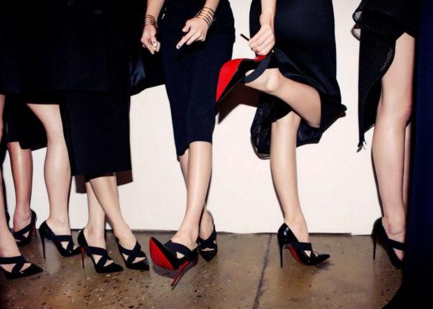 туфли кристиан лабутен: черные с острым носком под черные платья