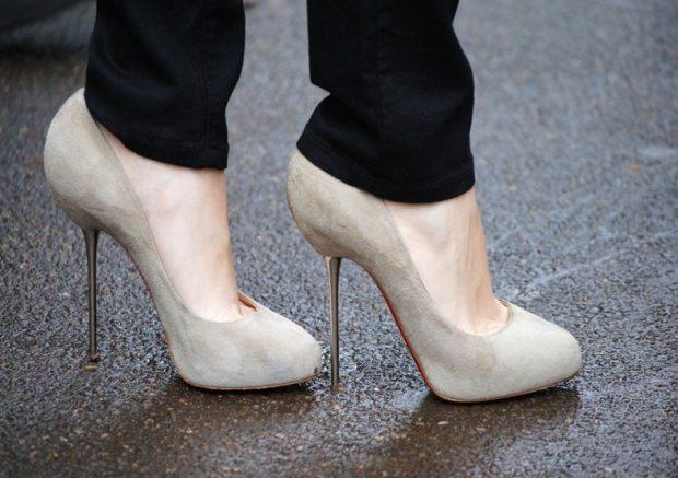 туфли кристиан лабутен: серые под брюки черные