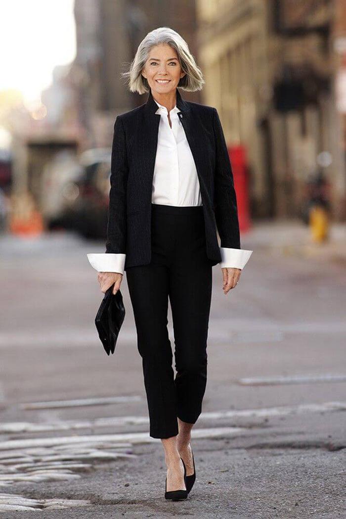 мода весна лето кому за 50: короткие черные брюки под жакет в тон