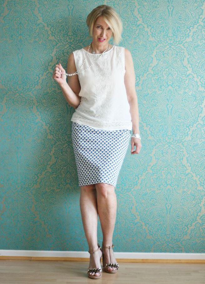 мода весна лето кому за 50: юбка белая с ромб классическая