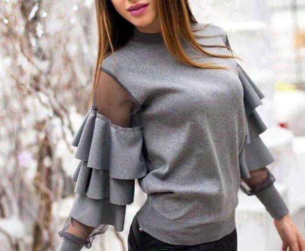 мода для женщин за 50 в 2019 году весна лето: серая кофта с воланами на рукавах