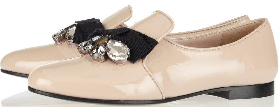 женская обувь весна лето 2019: лоферы в бежевые с камнями