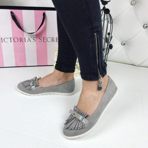 женская обувь весна лето 2019: лоферы серые кожаные