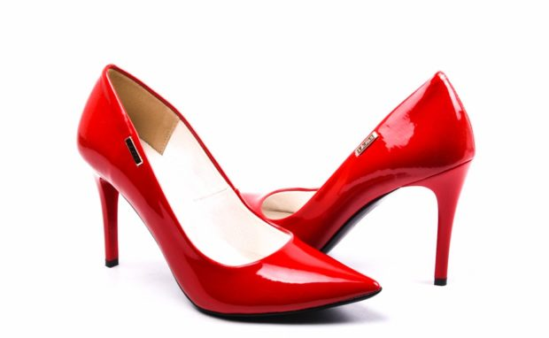 женская обувь весна лето 2019: красные туфли лодочки