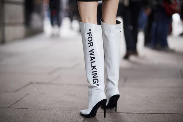 женская обувь весна лето 2019: ботфорты белые кожаные на шпильке