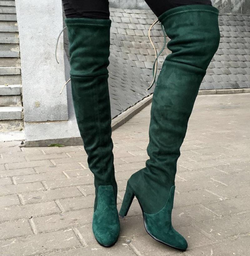обувь весна лето 2019 фото: ботфорты зеленые на каблуке замша