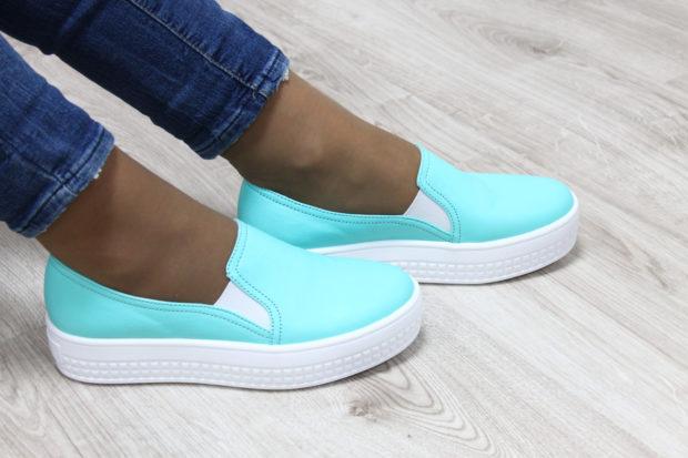 обувь весна лето 2019 фото: слипоны бирюзовые белая подошва