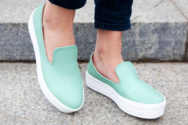 обувь весна лето 2019 фото: слипоны салатовые белая подошва