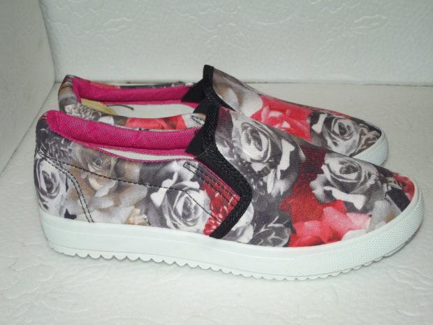 обувь весна лето 2019 фото: слипоны цветные в розу