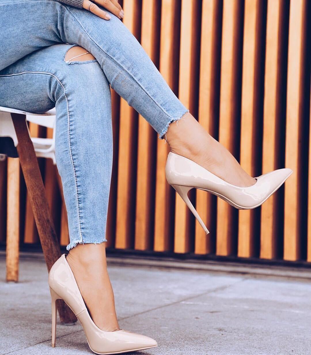 женская обувь весна лето 2019: туфли бежевые лодочки на шпильке