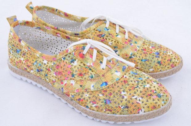 обувь весна лето 2019 фото: мокасины цветные в дырочку