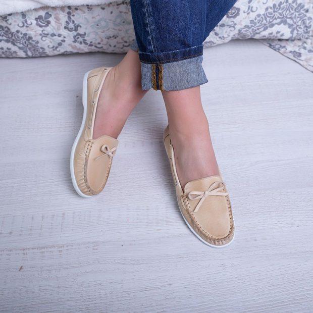 модная обувь весна лето 2019 фото: топсайдеры бежевые