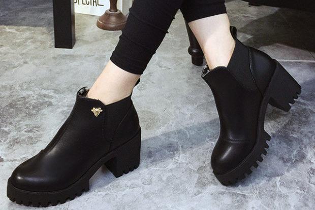 модная обувь весна лето 2019 фото: ботильоны короткие черные подошва трактор