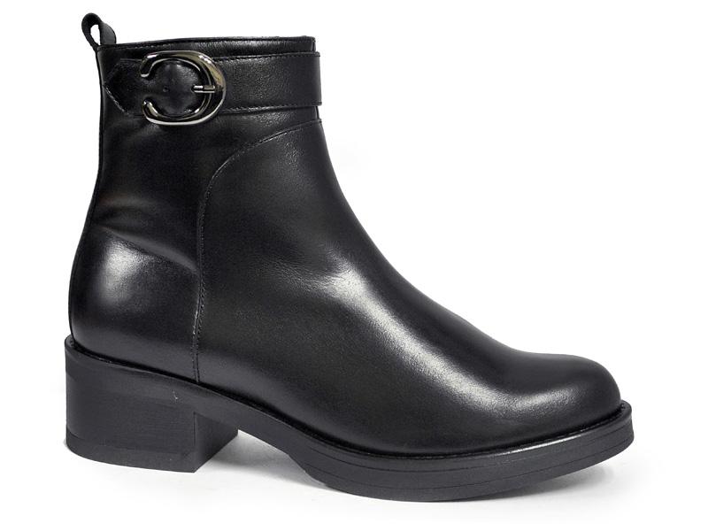 модная обувь весна лето 2019 фото: ботильоны черные с застежкой