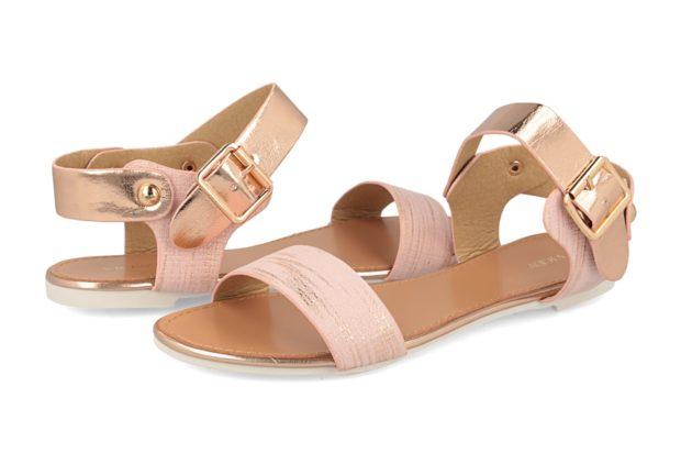 модная женская обувь весна лето 2019: сандалии бежевые