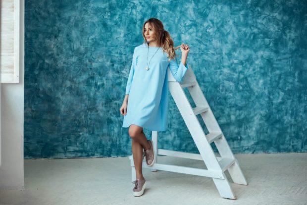 цвета весна лето 2019 года: одежда нежно-голубого цвета