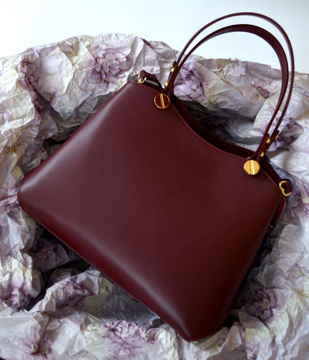 цвета весны лета 2019: модные сумки красно-коричневые