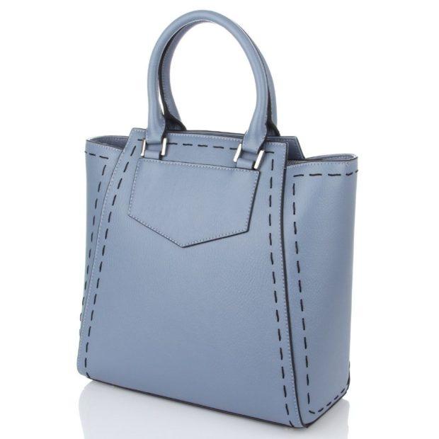 цвета весны лета 2019: модные сумки серо-голубые