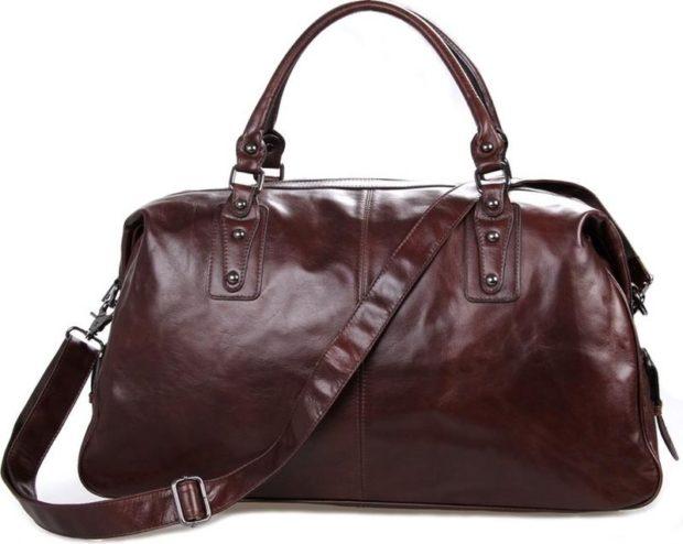 модная красно-коричневая сумка