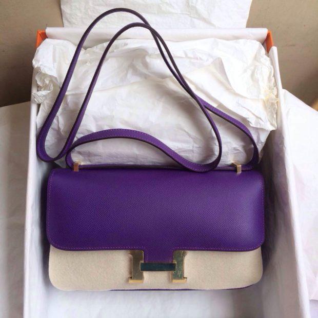 цвета весны лета 2019: маленькая сумочка цвет ультрафиолетовый с белым