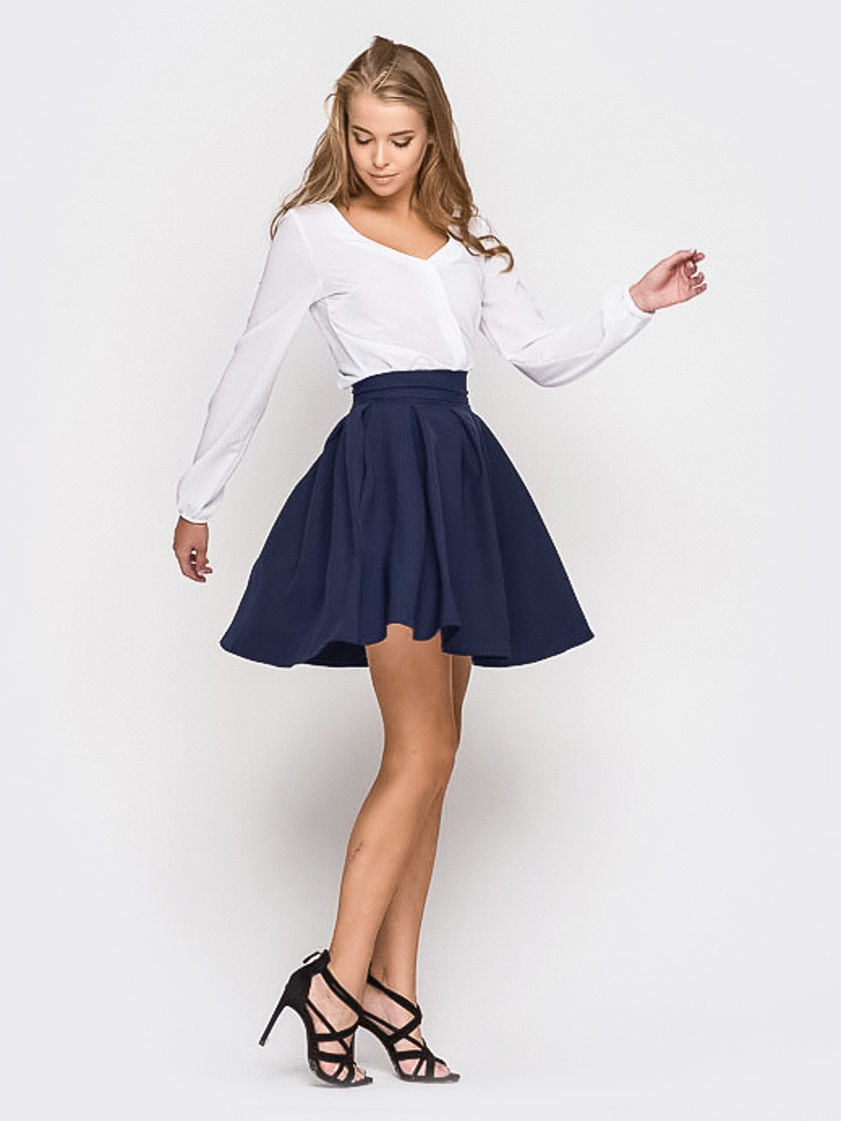 модные блузки весна лето 2019 фото: с длинным рукавом белая